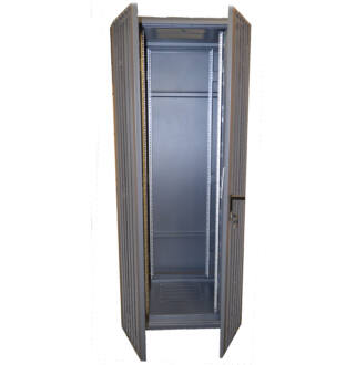 42U szerver rack szekrényhez perforált hátsó ajtó (600*42U), dupla G7